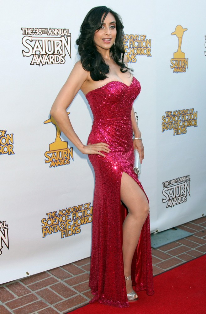 valerie-perez-2012-saturn-awards-01