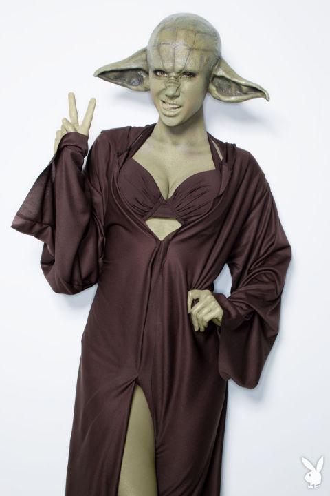 c_limit,h_720,q_80,w_900-http---images-origin.playboy.com-ogz4nxetbde6-10P12XdzKCY4gou8K8I8i0-cd1b21674f3665b187ee5fa155cf0b70-12_Sara-Jean-Underwood-Star-Wars