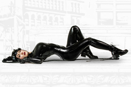 Kristen Hughey (USA) as Catwoman (3)