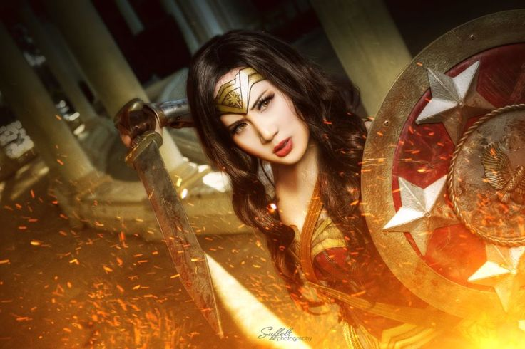 Wonder Woman Cosplay (2)