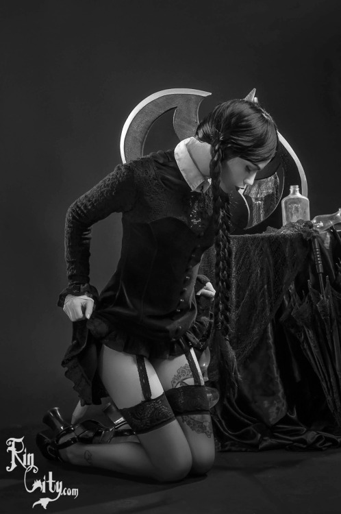 Wednesday Adams hot and sexy tumblr_o3c43i3IDk1ugpil6o2_500