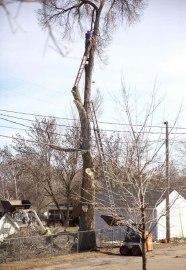 workplace-safety-fails-men-accident-waiting-to-happen-11-58cfea78e8d97__605-5