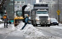 workplace-safety-fails-men-accident-waiting-to-happen-14-58cfea7fbe3fd__605-7