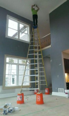 workplace-safety-fails-men-accident-waiting-to-happen-22-58d0e3e562b98__605-7