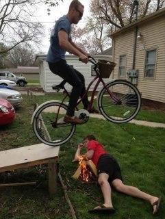 workplace-safety-fails-men-accident-waiting-to-happen-35-58d11e2a9e2cc__605-7