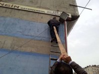 workplace-safety-fails-men-accident-waiting-to-happen-50-58d271bd3aa96__605-5