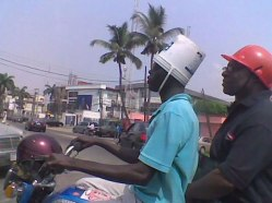 workplace-safety-fails-men-accident-waiting-to-happen-62-58d244429c348__605-7