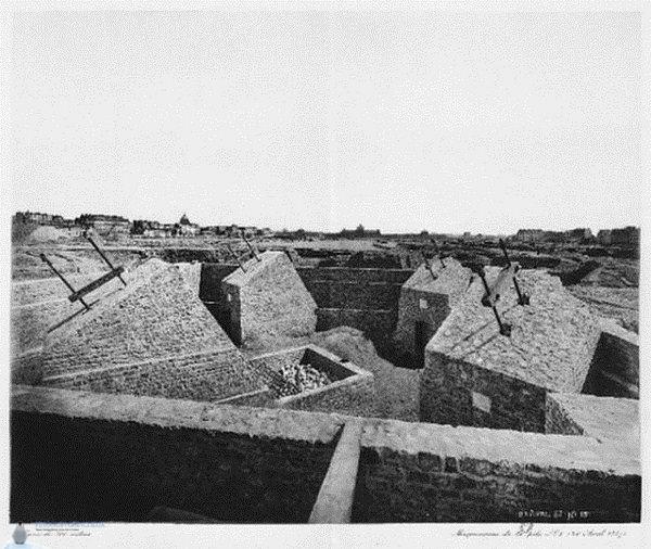 Как выглядело строительство главного символа Парижа (10 фотографий)