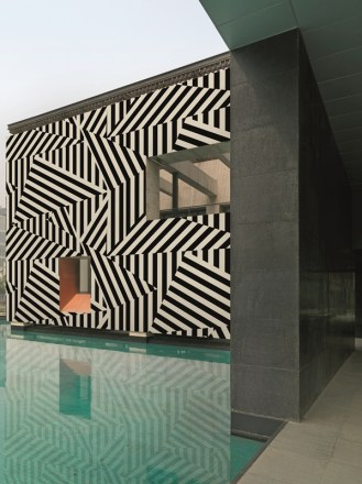 Wall-Decos-Urban-OUTdoor-Wallpaper-2012-7