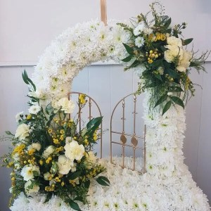TRADITIONAL FUNERAL DESIGNS