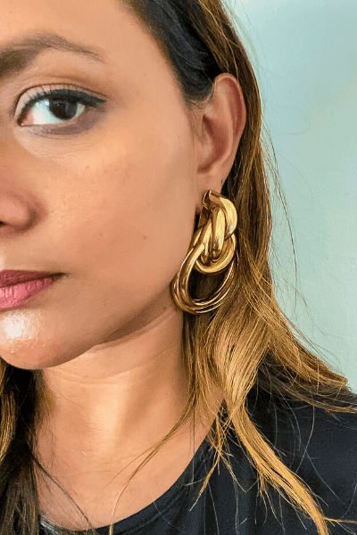 Jewelries are an easy way to chic up your look