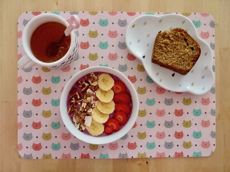 Healthy breakfast #3 smoothie bowl aux fruits rouges