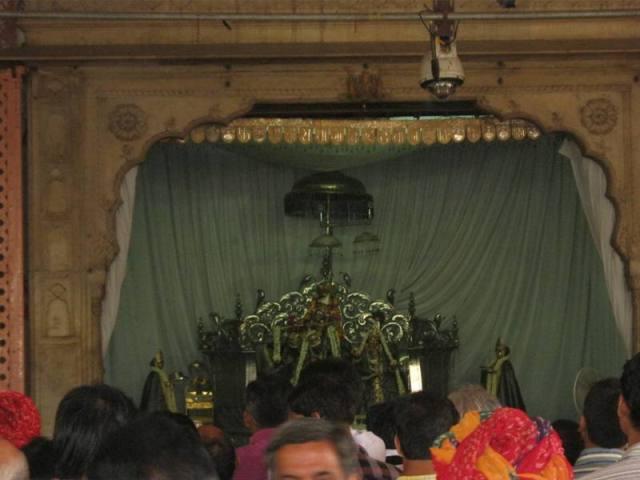 Govind_Dev_ji_04