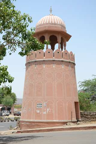 Khole-k-hunuman-Ji-Gate