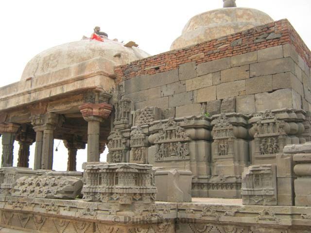 Abhaneri-Temple-46