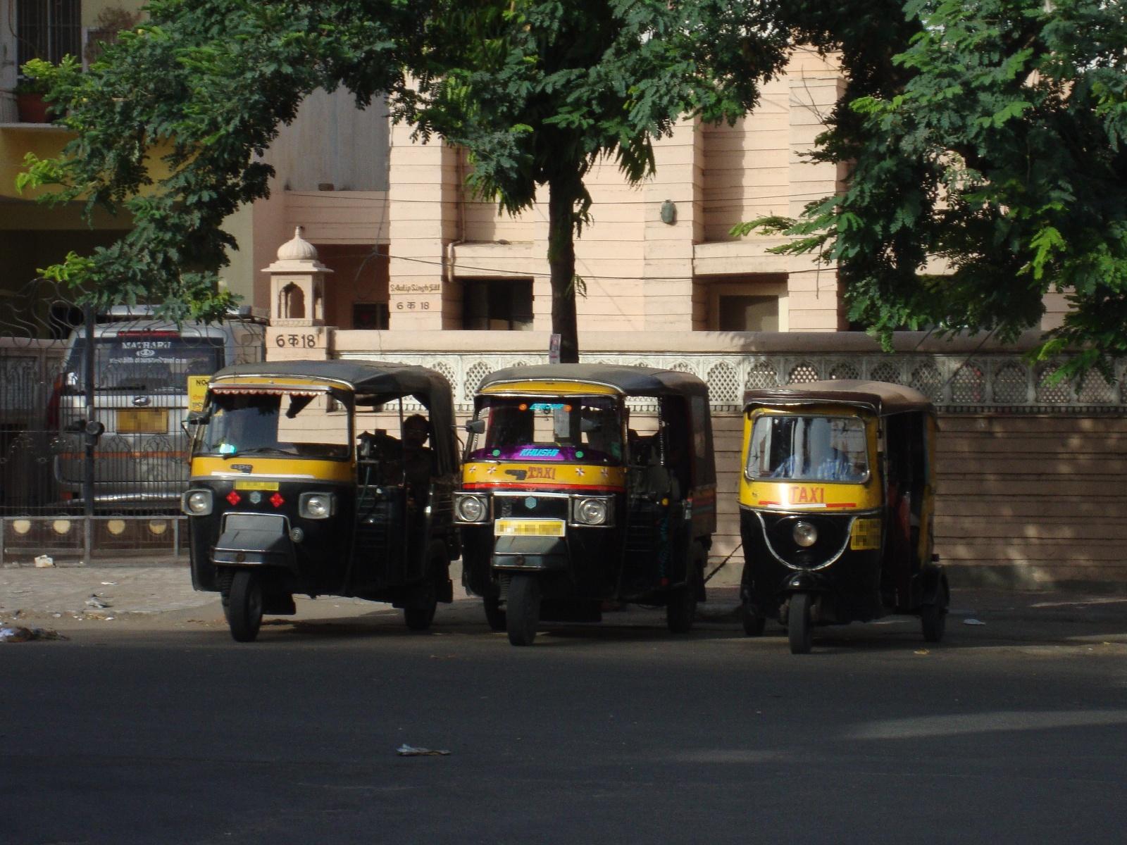 09487-rickshaw-family_1600px