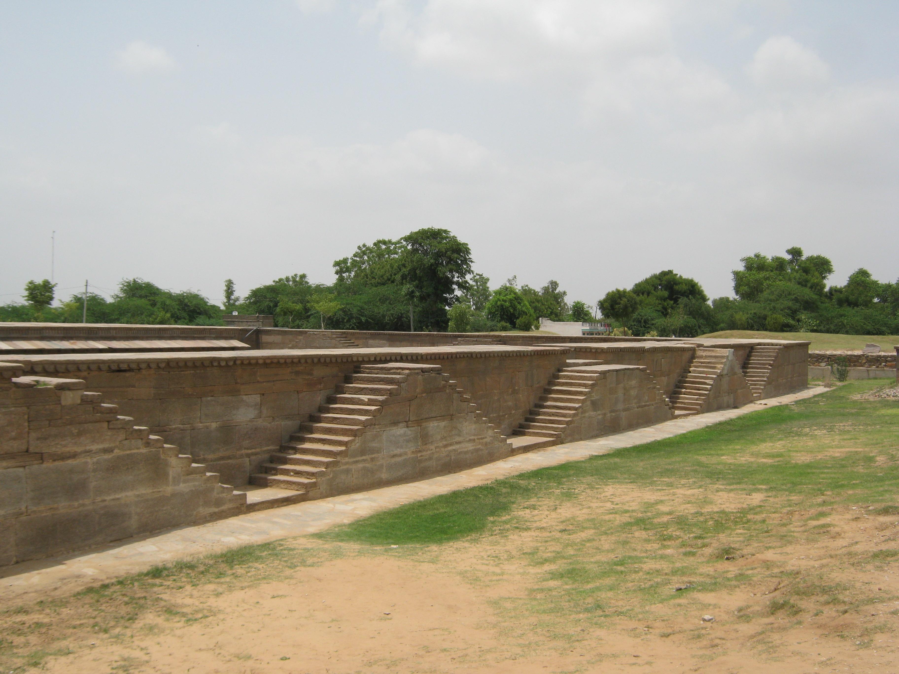 hadi-rani-ka-kund658