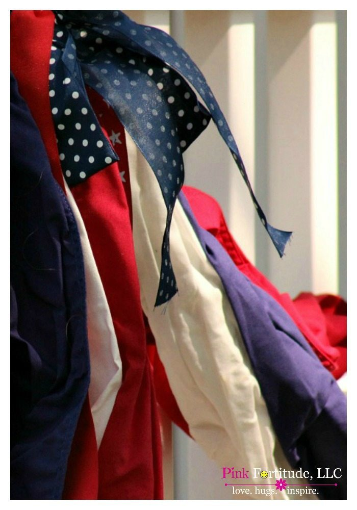 I love everything about the 4th of July – the stars, the stripes, the patriotism, the flags – EVERYTHING! It's my favorite holiday and what better way to celebrate our Nation's independence than with patriotic decorations on the front porch. Here are five great decorating ideas that will have you seeing stars and stripes forever.