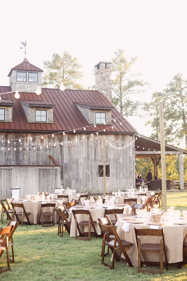 Rustic-Outdoor-Reception-Right-Next-To-The-Barn
