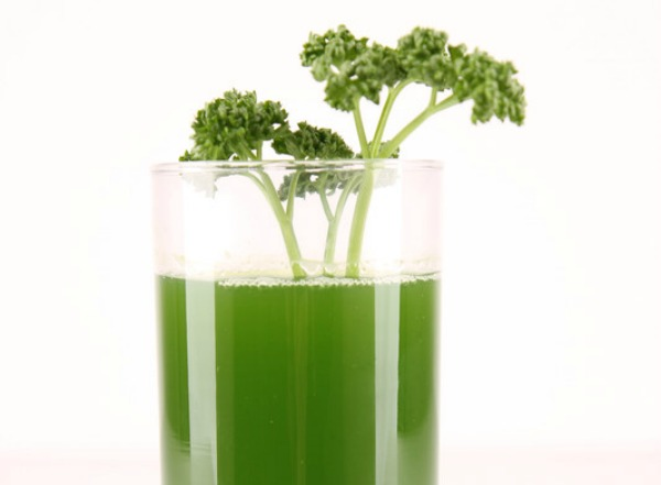 Detox cleanses are all the rage. Gwyneth Paltrow andBeyoncédo it. Dr. Oz promotes them. When done properly, the benefits are life-changing. Improperly administered, they can be extremely dangerous, even deadly. Before you get caught up in the craze, here is some important information to keep in mind about how detoxes work, what to watch out for, and how to do them safely. #detox #pinkfortitude