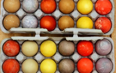 How to Make All-Natural and Farmhouse Dyed Easter Eggs