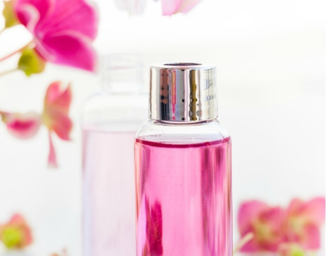 Rose Water Face Spray DIY