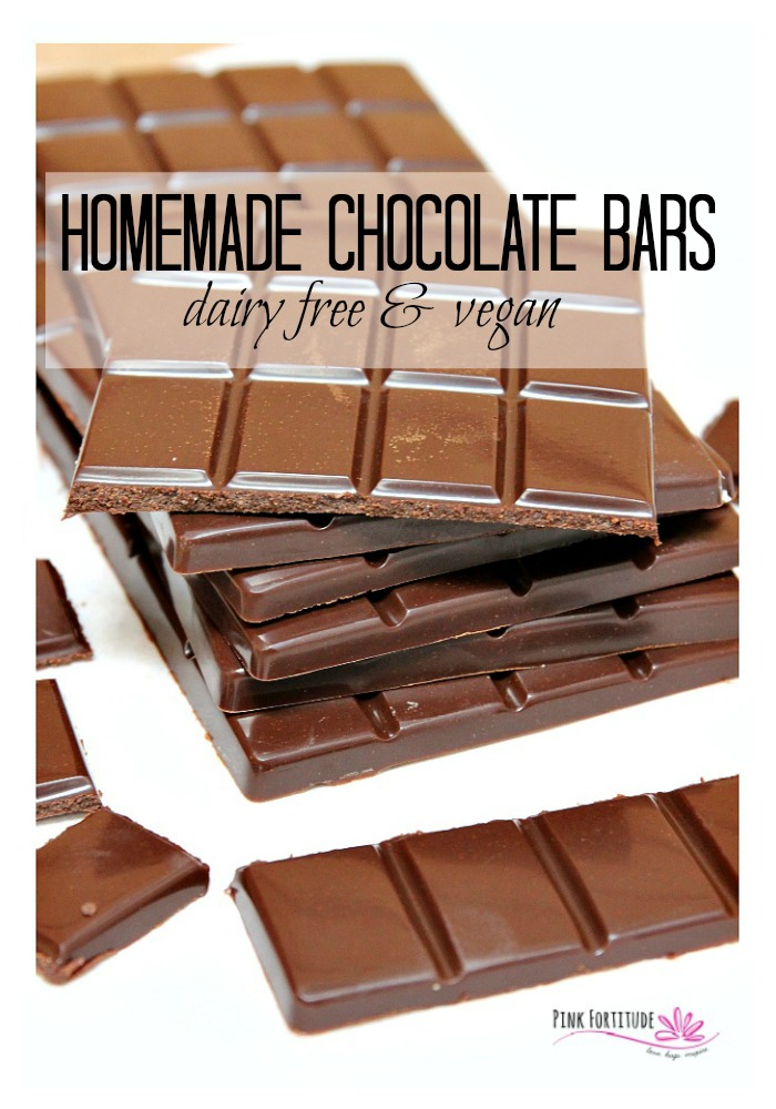 Any fellow chocoholics out there? These homemade chocolate bars are Paleo, dairy-free and vegan and perfect for any occasion. Whether it's for eating solo, making S'mores, or melting and pouring over your favorite treat, our love for chocolate will never end. These homemade bars are easy to make, crazy healthy, and your kids will love them too! Get the recipe here...