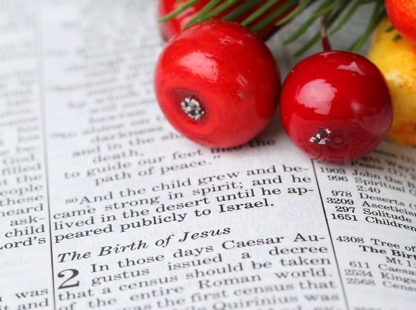 25 Advent Scriptures to Celebrate Christmas