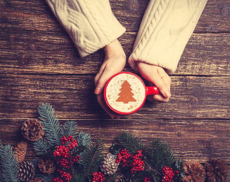 30 Journal Prompts for Christmas