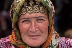 Samarkand_market_vendor