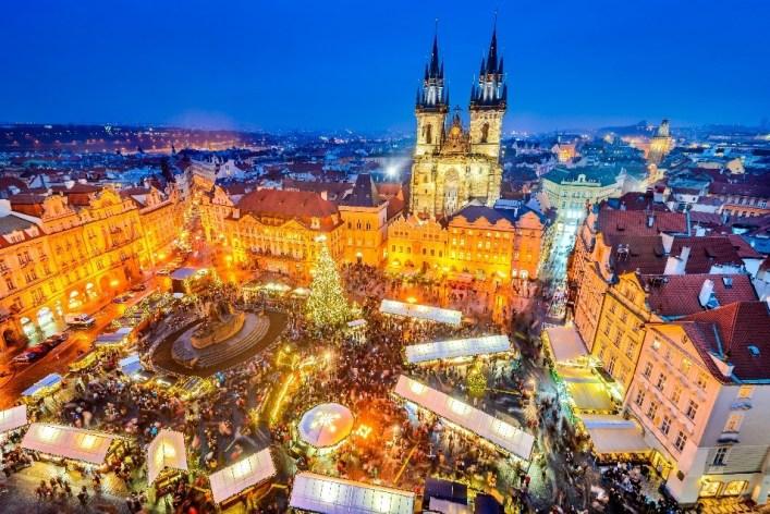 Menjelajah 12 Lokasi dan Tradisi Natal