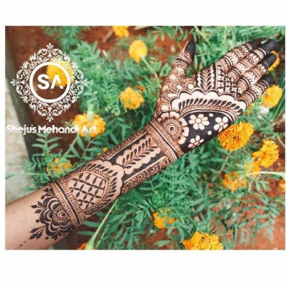 Henna Artists In Thrissur