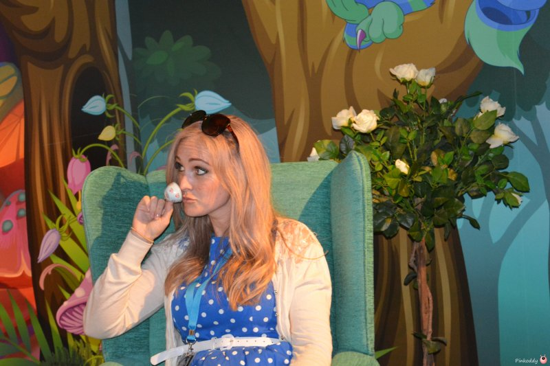 Alice in Wonderland Dressing Up