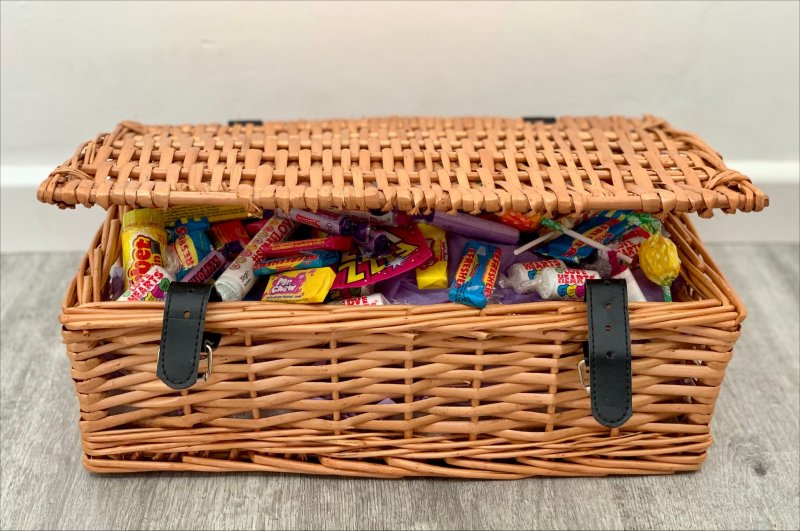 Moonpig Sweet Hamper