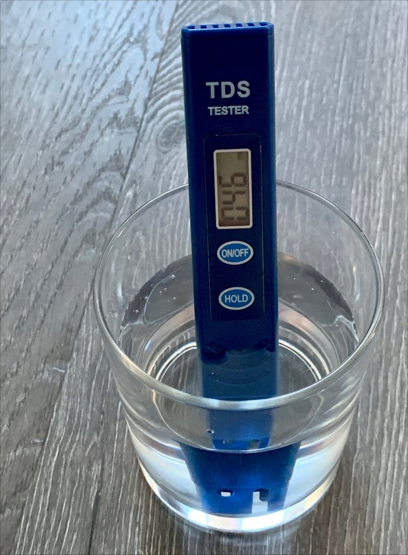 ZEROWATER TDS tester testing water after filtering with the ZEROWATER filter jug