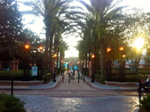 Heading down to the pool for an evening swim, we were greeted by the French Quarter Gator Band :)