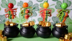 DIY: St. Patrick's Day Candy Pops