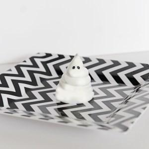 Sweets: DIY Halloween Meringue Ghosts