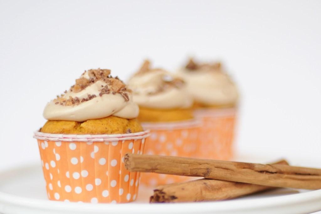 pumpkin cupcakes feature