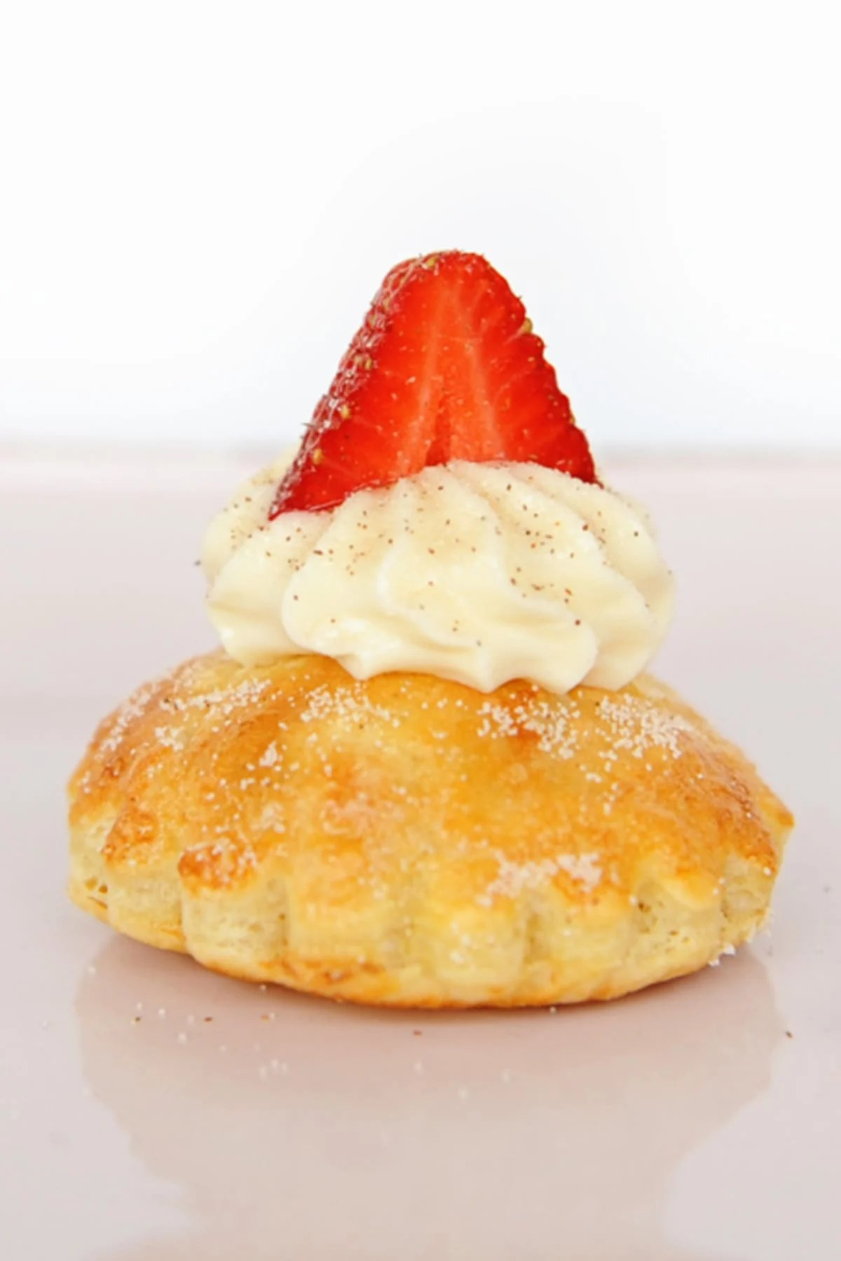 Sweets: The Ever-So-Easy Shortcake (that isn't really shortcake!)