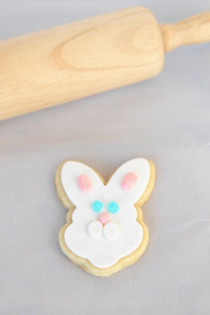bunny fondant cookie