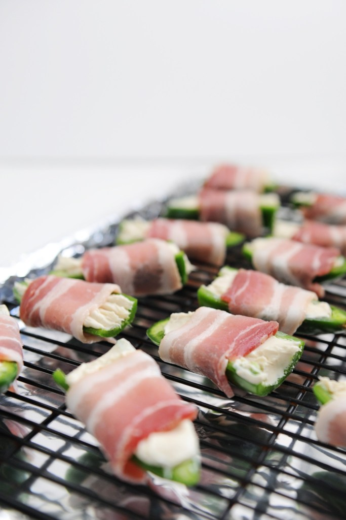 bacon wrapped stuffed jalapenos recipe