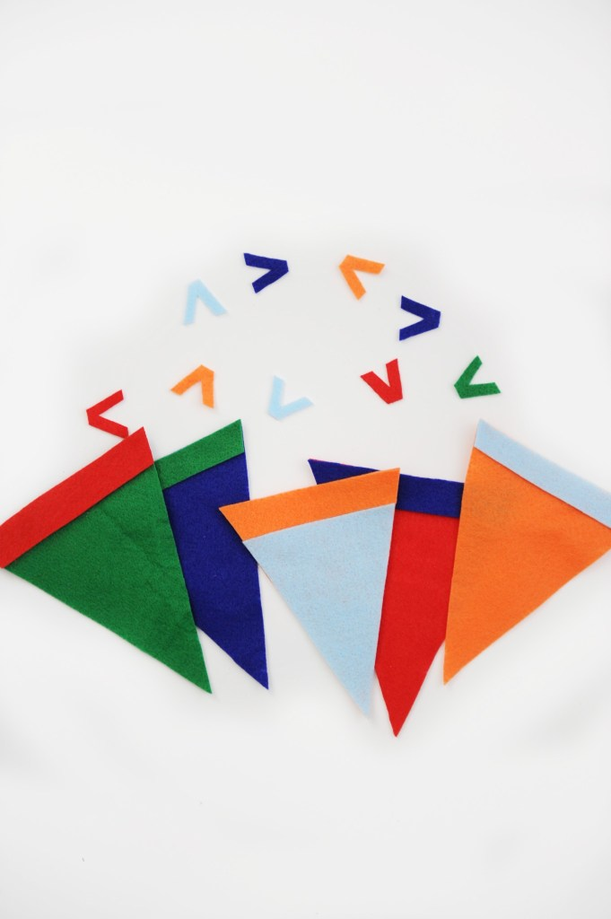 DIY Mini Felt Pennant Tutorial