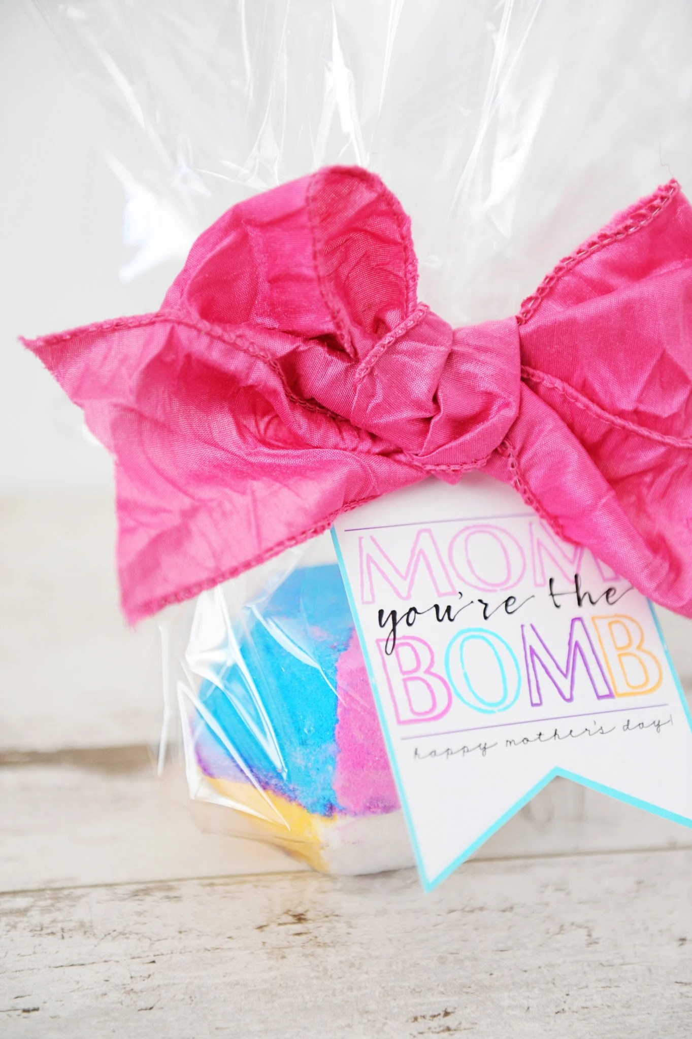 Bath Bomb Gift Idea: Mom, You're the Bomb!
