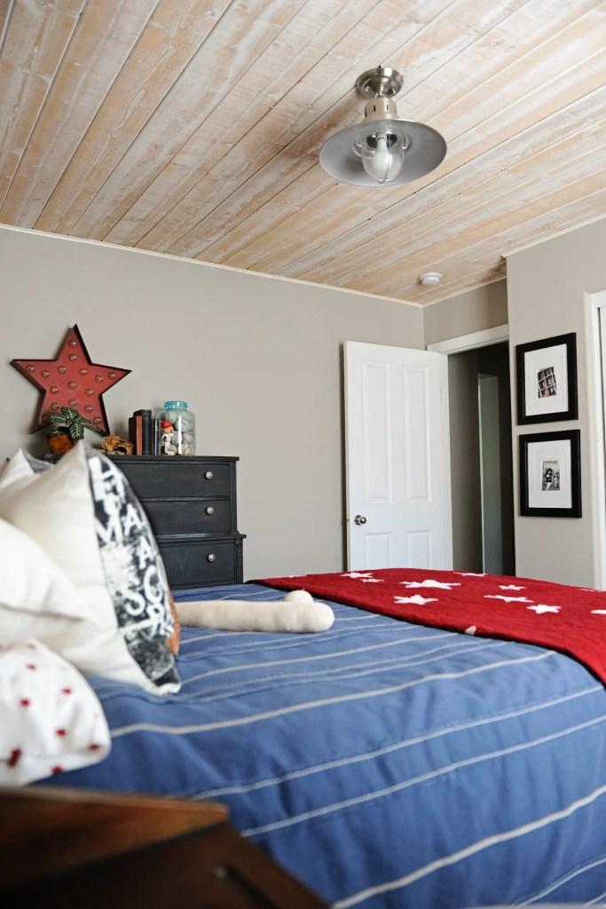 tween boy's room