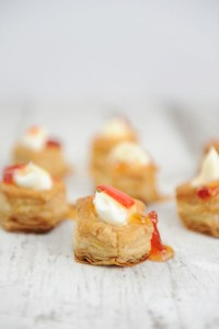 Easy Appetizers for a Party : Cream Cheese and Pepper Jelly Puffs