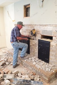 1987 Fixer Upper Update : Family Room Design Ideas with a Fireplace