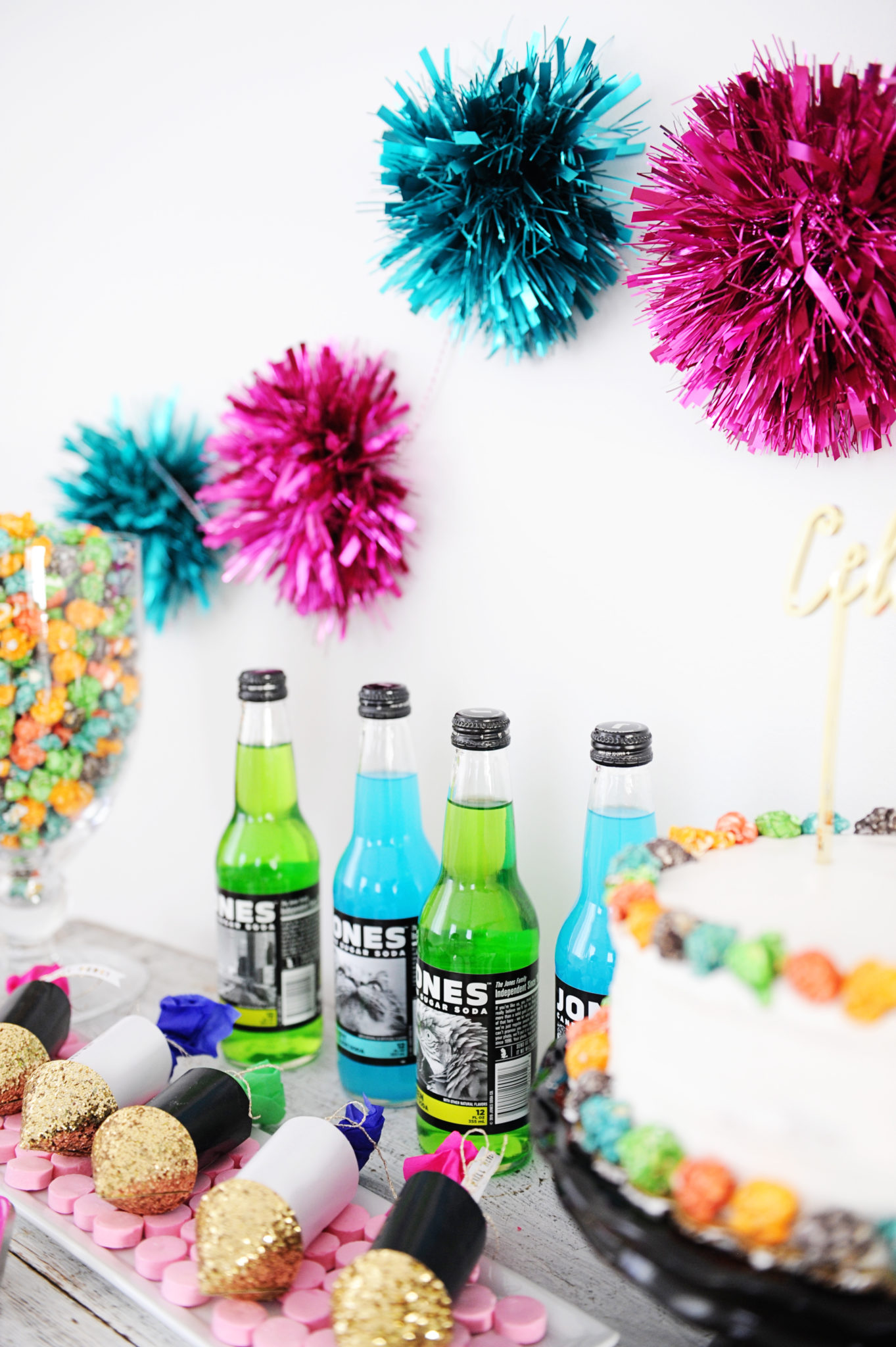 pop clink fizz new year's eve party