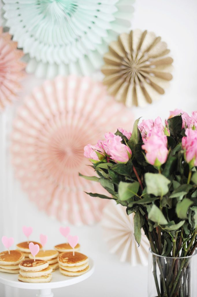 galentine valentine brunch party ideas