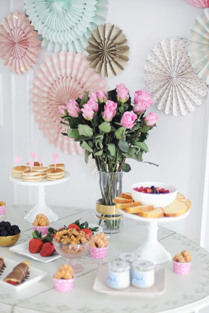 galentine's day valentine's day brunch party ideas